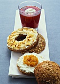 Sesame roll with apricot puree, banana bagel & vegetable juice