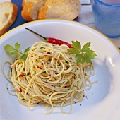 Spaghetti with garlic & chili sauce and parsley (Italy)