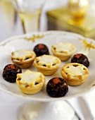 English mince pies and small plum puddings