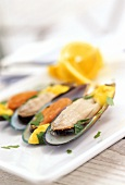 Green-lipped mussels with saffron & garlic mayo (Australia)