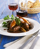 Beef with shallots (stifado)