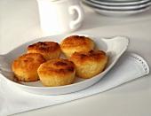 Small coconut cakes (Bom-bocado)
