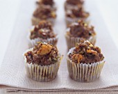 Savoury mini-muffins with mince and walnuts