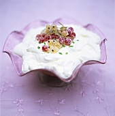 Berry brandy mousse as accompaniment to Christmas pudding