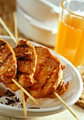 Chicken kebabs with peanut sauce