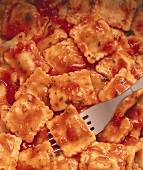 Ravioli alla salsa di pomodoro (Ravioli in Tomatensauce)