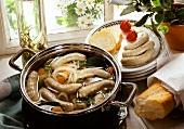 Saure Zipfel (sausages in vinegar stock)