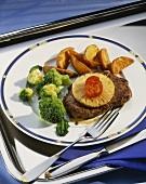 'Hawaiian' beefsteak, with broccoli & country potatoes