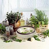 Aromatische Kräuter, Rosenblüten und Schönheitsprodukte