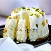 Caramel and macadamia ice cream gugelhupf, pieces cut