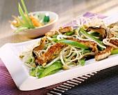 Gebratene Reisnudeln mit Fleisch, Paprika & Sprossen (China)