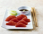 Tuna sashimi with spicy dip