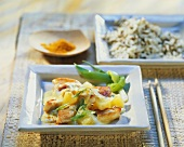 Poultry curry with pineapple and wild rice