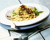Spaghetti aglio, olio e peperoncino (Spicy pasta dish)