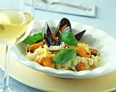 Risotto con le cozze (mussel risotto with basil, Italy)