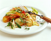 Pan-cooked potato dish with leeks and apple