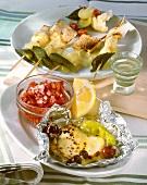 Ziegenkäse mit Oliven und Peperoni & Käsefondue am Spiess