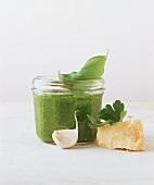 Pesto im Glas (ca. 3 Monate haltbar)