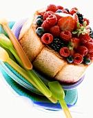 Mini-gateau with fresh berries