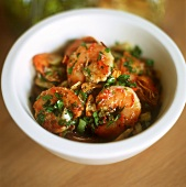Fried shrimps with garlic and parsley