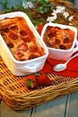 Clafoutis with strawberries (sweet strawberry pudding)