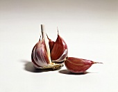 Red garlic cloves (Allium sativum)