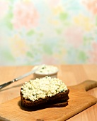 Bread with cottage cheese & ramsons (wild garlic) spread
