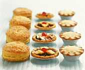 Puff pastries, tartlets and mini-pies