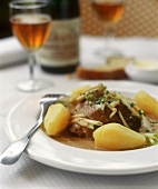 Poulet vallée d'Auge (chicken with cider and apples, Normandy)