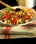 Cannellini beans with grilled tomatoes
