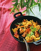 Pan-cooked chicken & noodles with sweet chili sauce & peppers