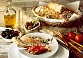 Bruschetta di pane con le olive (olive bread with tomatoes)