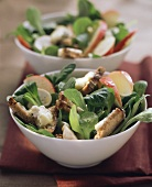 Corn salad with apple wedges and gorgonzola croutons