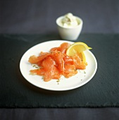 Smoked salmon with lime cream