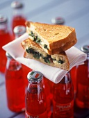 Sandwich spinaci e Taleggio (Toasted cheese & spinach sandwich)