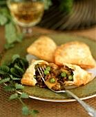 Samosas (Indian style spicy pasties)