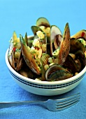 Steamed mussels with pineapple salsa