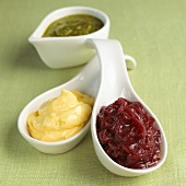 Mayonnaise, onion jam and pesto