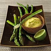 Green asparagus with lime hollandaise