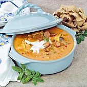 Hungarian Betyáren soup (with sausage, mushrooms & sour cream)