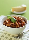 Casarecce-Nudeln mit Sauce Bolognese