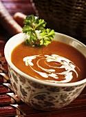 Scharf-pikante Karottensuppe mit Kokosmilch