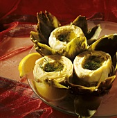 Small artichoke hearts with olive oil and lemon