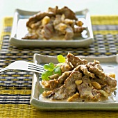 Lamb in cream sauce with cashew nuts (India)