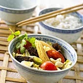 Wok-cooked vegetables in a small bowl (China)