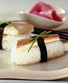 Nigiri-Sushi mit Forellenfilet