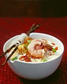 Laksa (noodle soup with shrimps and coconut milk, Malaysia)