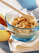 Muesli with apple, raisins and cinnamon