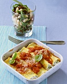 Spinach cannelloni with bean salad