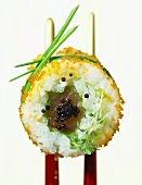 California maki with lettuce leaf, tuna and lumpfish caviare